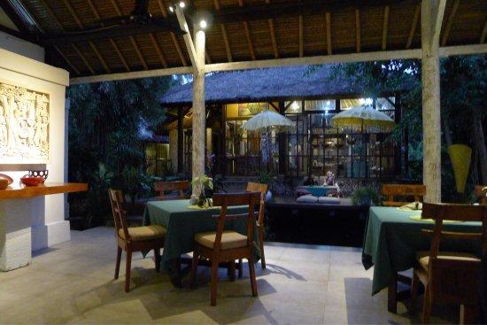 Watergarden Cafe: photo1.jpg