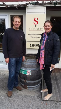 Martinborough, Nieuw-Zeeland: Visiting Schubert Estate