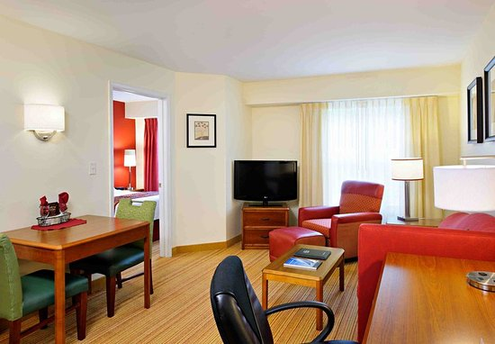 Dartmouth, MA: One-Bedroom Suite