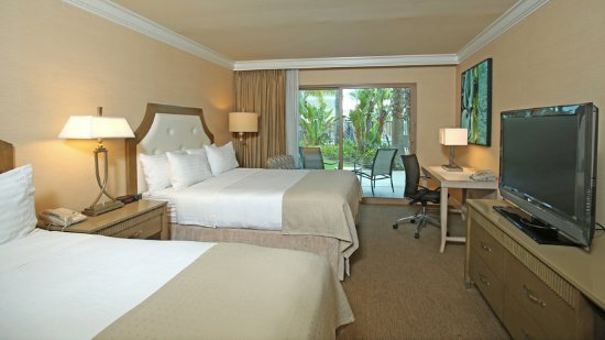 Holiday Inn San Diego-Bayside: Beautiful rooms on our putting course