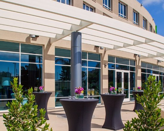 Holiday Inn San Diego-Bayside: Outdoor Function Space