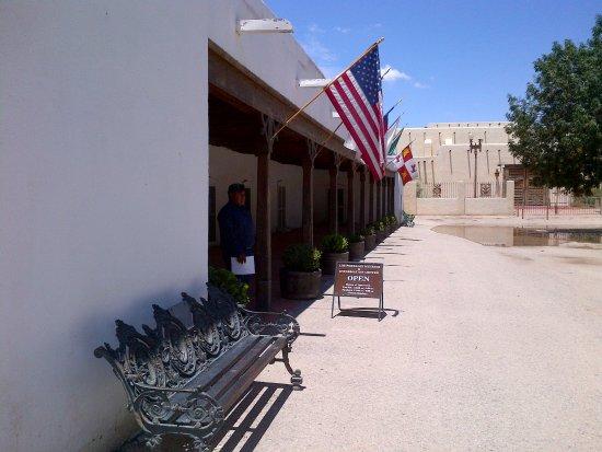 Los Portales Museum