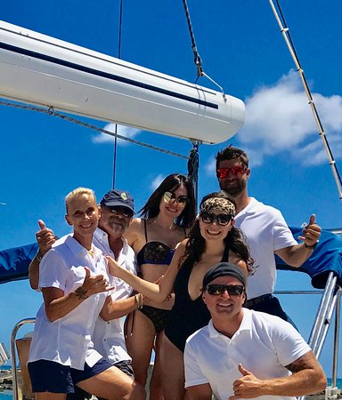 The Captain And Crew With Guests Of Louis Vuitton On Sail Oahu S