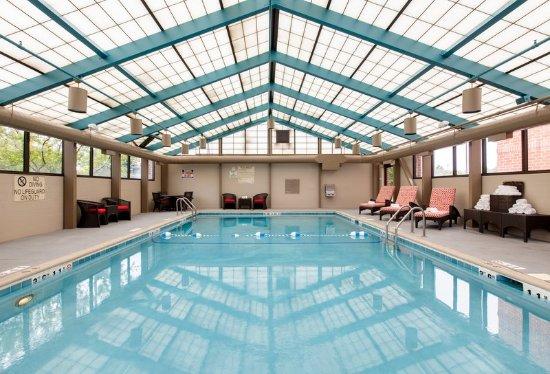 Vernon Hills, IL: Heated Indoor Salt Water Pool