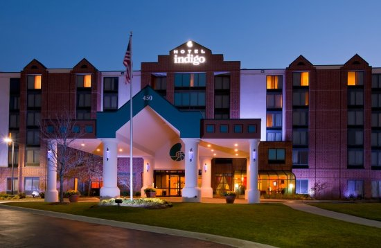 Vernon Hills, IL: Hotel Exterior