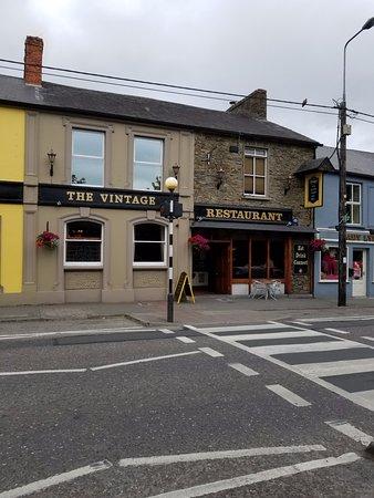 Kanturk, Irland: Street view of The Vintage Restaurant