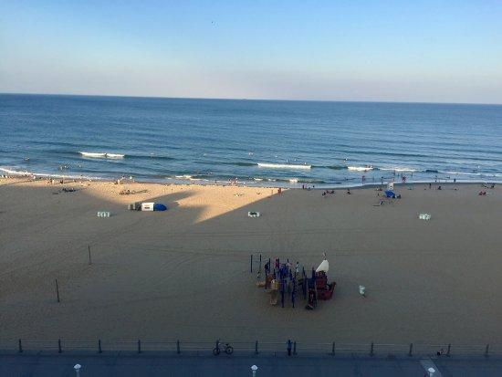 Hampton Inn Virginia Beach-Oceanfront South: photo1.jpg