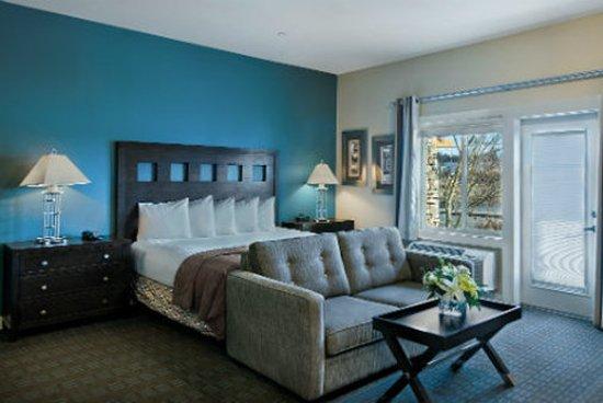 Oxford Suites Silverdale: Suite