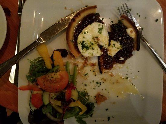Kanturk, Irland: Goat cheese and cranberry tart