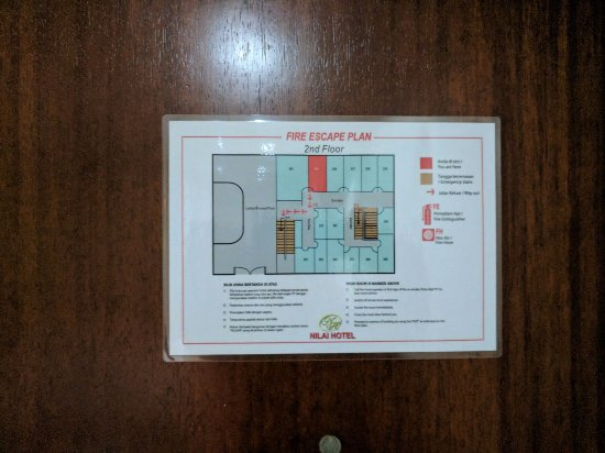 Nilai, Maleisië: Fire escape plan on back of door for second floor - except we were on the third.