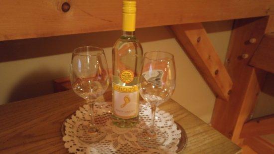 Gite le Roupillon B&B: Cheers let's celebrate