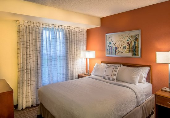 Lakewood, CO: One- and Two-Bedroom Suite - Bedroom