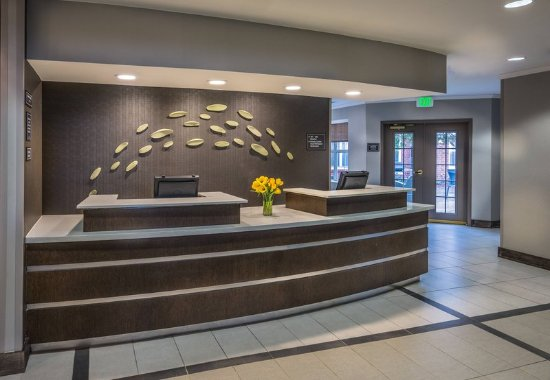 Lakewood, CO: Front Desk