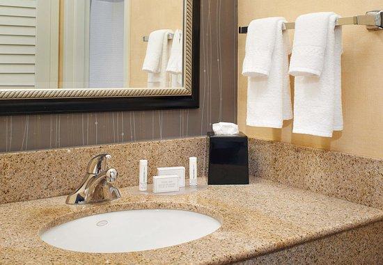Mendota Heights, MN: Guest Bathroom Vanity