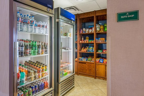 Hampton Inn & Suites Los Alamos: Suite Shop