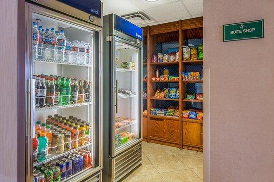 Hampton Inn & Suites Los Alamos: Suite Shop