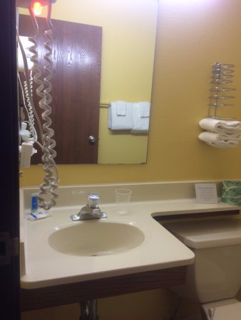 Belgium, WI: Super Clean Sink, Counter, and Mirror