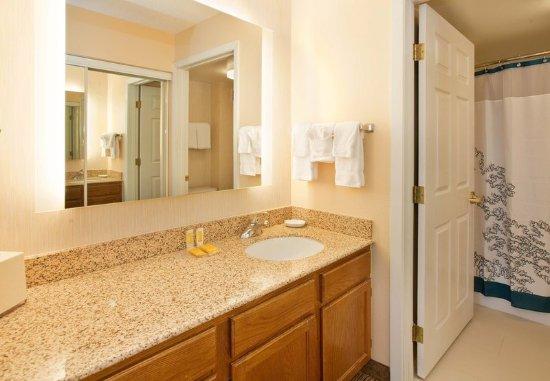 สตาฟฟอร์ด, เท็กซัส: Guest Bathroom