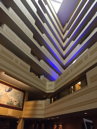 Sheraton Springfield at Monarch Place : view of the interior baclonies