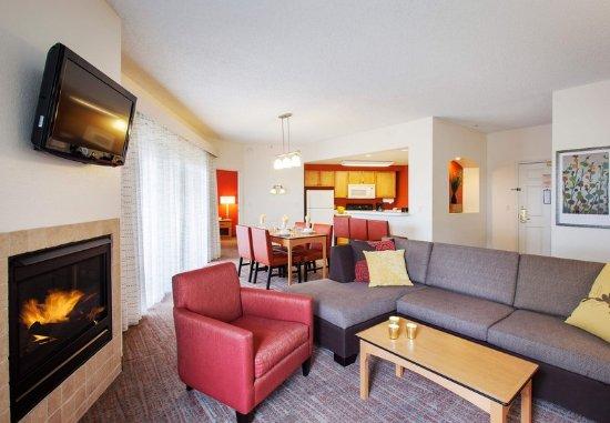 Goodyear, AZ: Penthouse Suite - Living Area