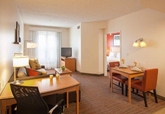 Goodyear, AZ: One-Bedroom Suite