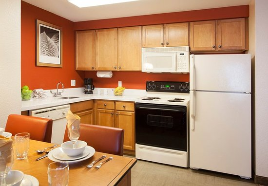 Goodyear, AZ: Two-Bedroom Suite - Kitchen