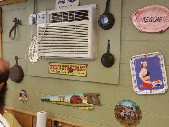 Murray, KY: Inside decorations harken back to nostalgic moments.