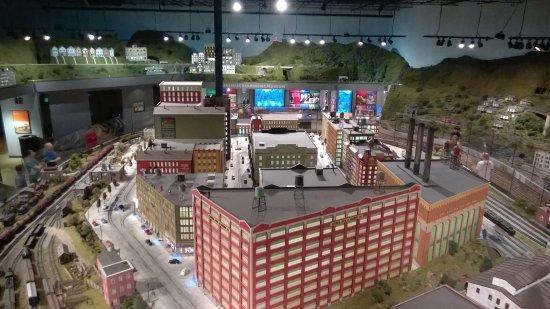 EnterTRAINment Junction : industry