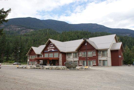 Entrance - Picture of Lil'tem' Mountain Hotel, Seton Portage - Tripadvisor