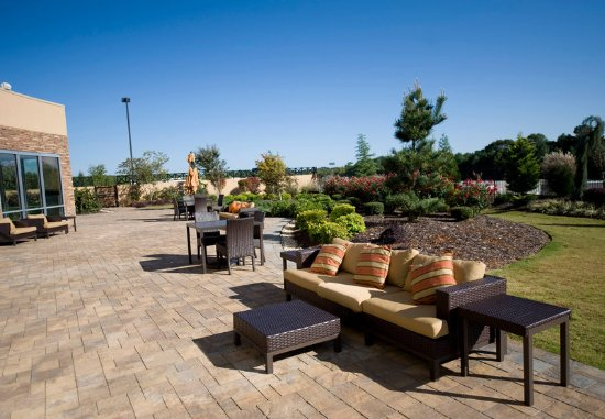 McDonough, GA: Outdoor Patio
