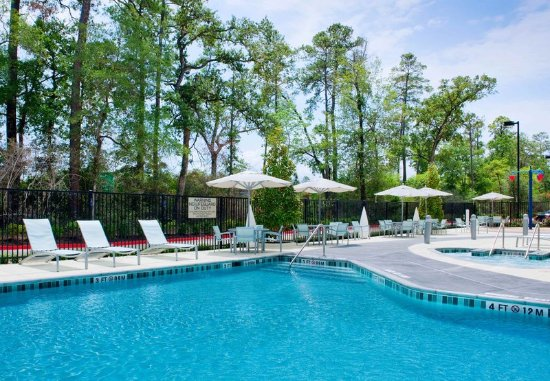 The Woodlands, TX: Outdoor Pool & Spa