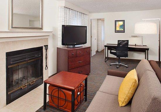 ลินน์วูด, วอชิงตัน: One-Bedroom Suite