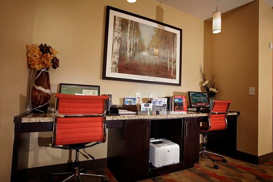 TownePlace Suites Sudbury : Business Centre
