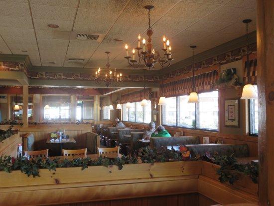 Menominee, MI: Large dining room