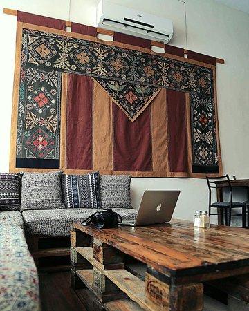 SAIMALUU TASH Art Gallery