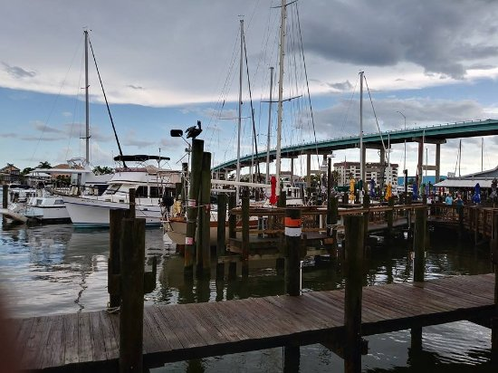 The views picture of dixie fish co fort myers beach for Dixie fish company