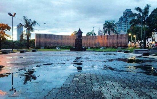 Plaza Venezuela: photo5.jpg