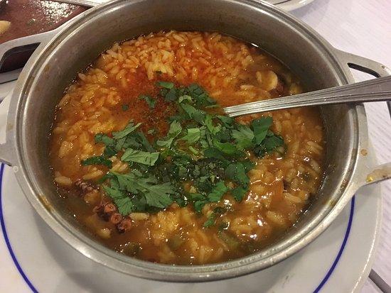 Restaurante Dois Arcos : Squid rice