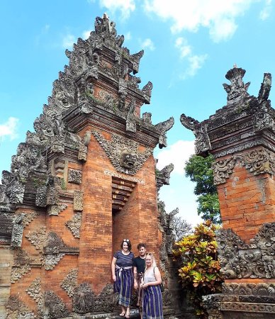 Visiting the Temples - Gede also takes great photos!
