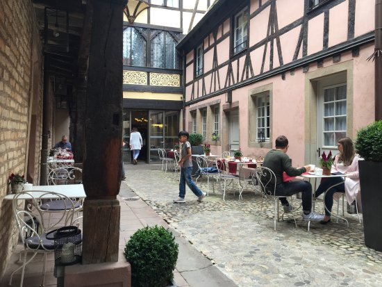 Hotel Cour du Corbeau Strasbourg - MGallery Collection: Innenhof