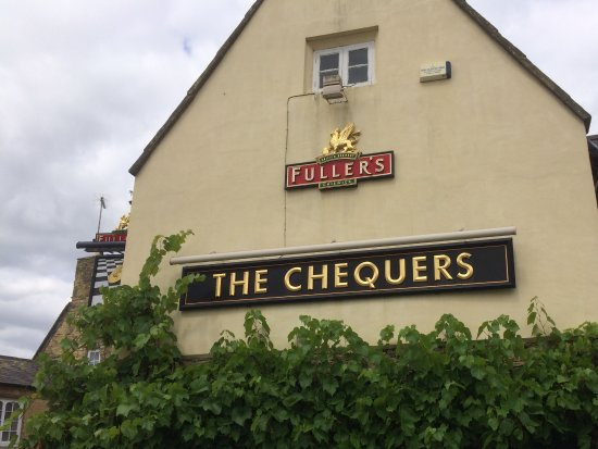 Chipping Norton, UK: Chequers from outside