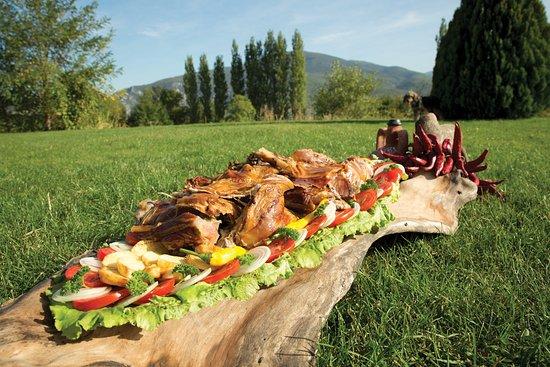 Makedonya Cumhuriyeti: Pork meats Macedonian style