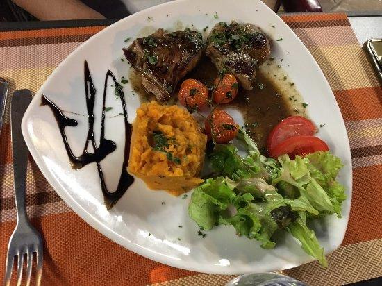 L'ogow: Deux des repas proposé juste tellement bon 😍 encore merci ! Un restaurant au top ! Bravo aux se