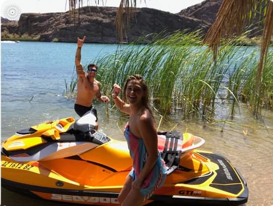 Lake Havasu City, AZ: This beach was all ours :)