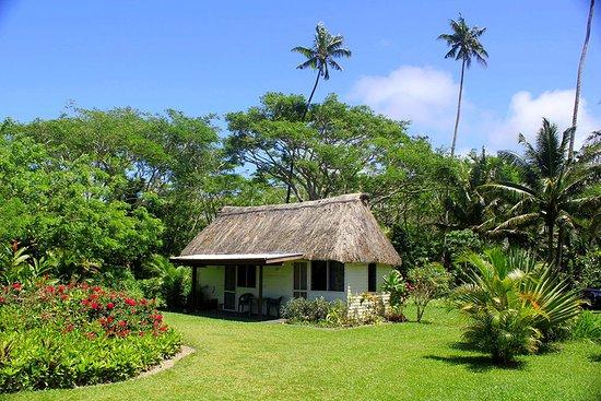 SigaSiga Sands Resort: Vonu Bure house with beautiful garden