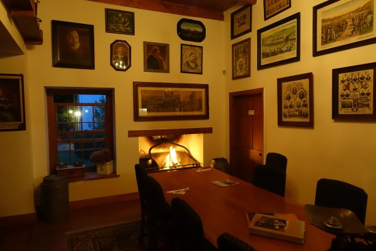 Prince Albert, South Africa: Lounge and Lobby @DeBergkantLodge in Winter Time