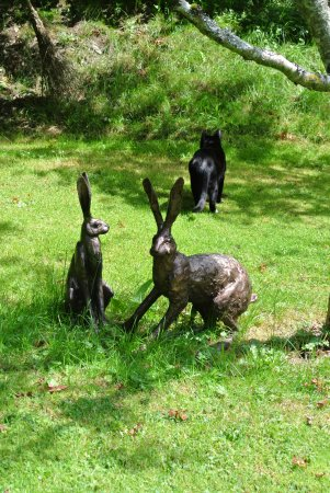 Rhydlewis, UK: Bronze Hares and a live cat