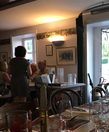 Julienas, ฝรั่งเศส: Dinning room