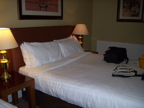 Enfield, İrlanda: angenehmes Bett