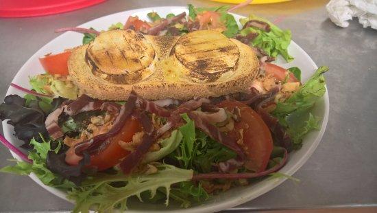 La Valette-du-Var, França: salade de chèvre chaud